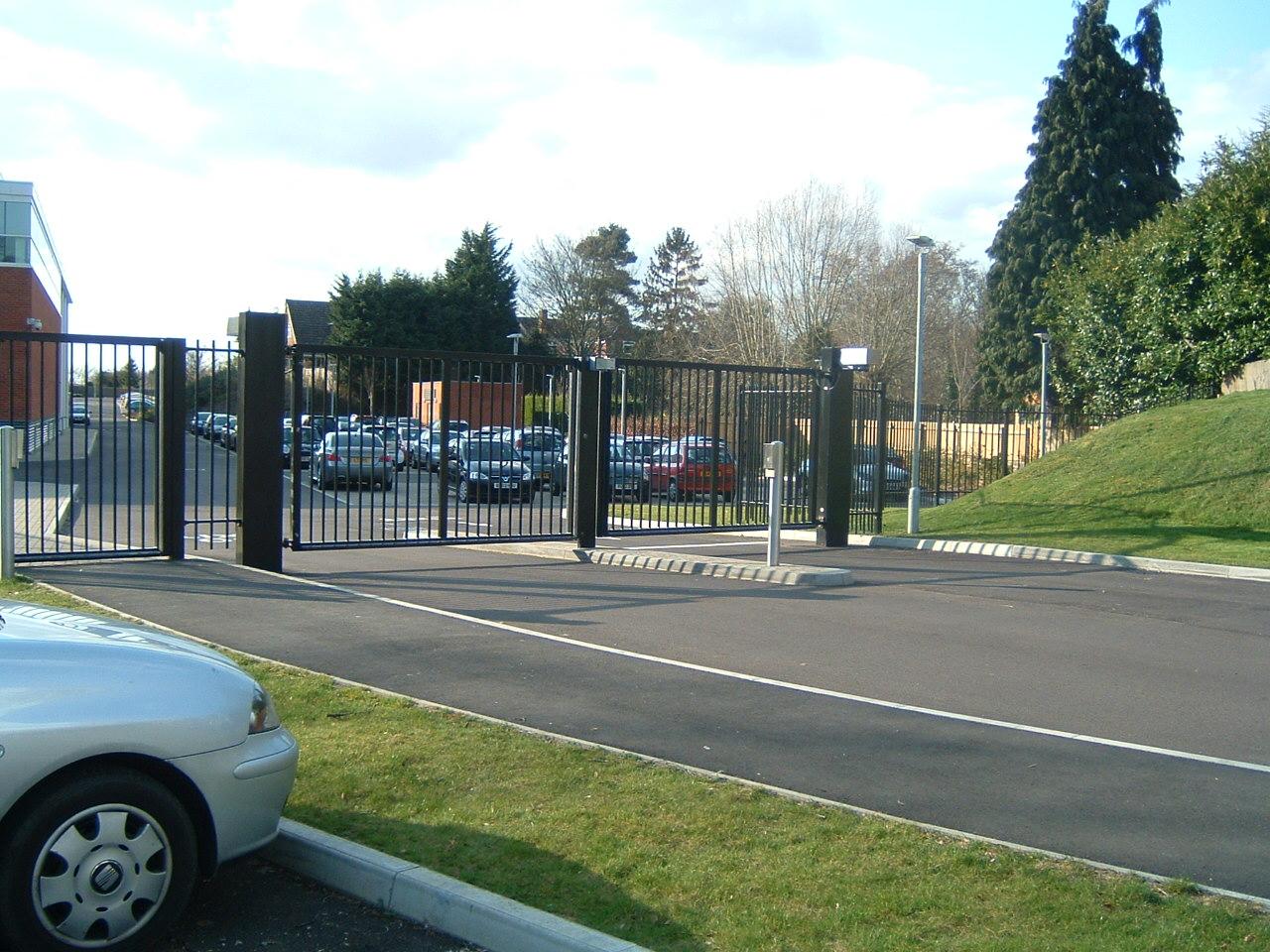 auto gate 1